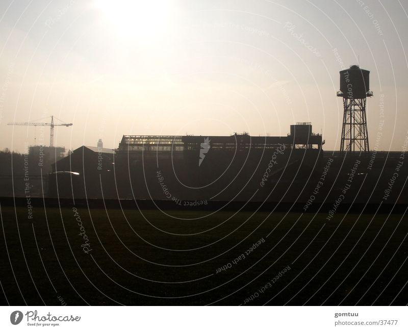 Industrie-Kultur | Jahrhunderthalle Bochum I Ruhrgebiet Gegenlicht Architektur Industriefotografie Lagerhalle Silhouette