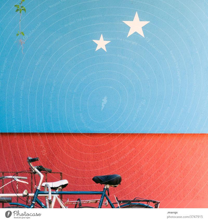 2-Sterne-Fahrradparkplatz parken Mobilität Wand rot blau Stern (Symbol) Verkehrsmittel