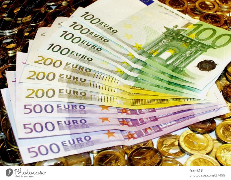 Viele Geldscheine und Münzen Euro Geldmünzen Besitz
