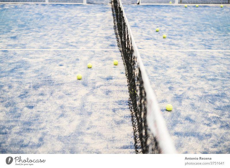 Paddle-Tennis Hallentraining, leerer Platz Paddeltennis Padel Sport Erholung Klasse Gericht Mann Frau Frauen blau Lebensstile Training Schuss Netz Ball leisura