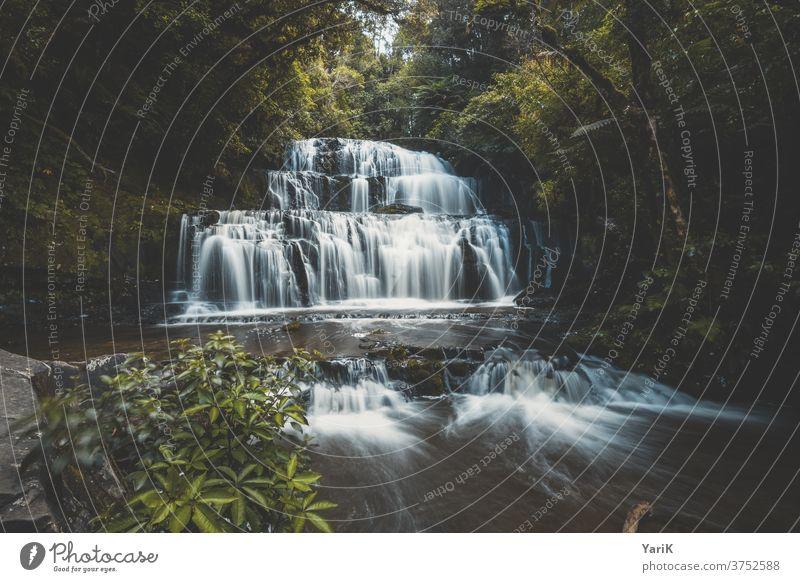 beautiful waterfall Wasserfall wasser fließen fluss Langzeitbelichtung wasserspiel dschungel jungle wasserterrasse kaskade stufen treppe wassertreppe neuseeland