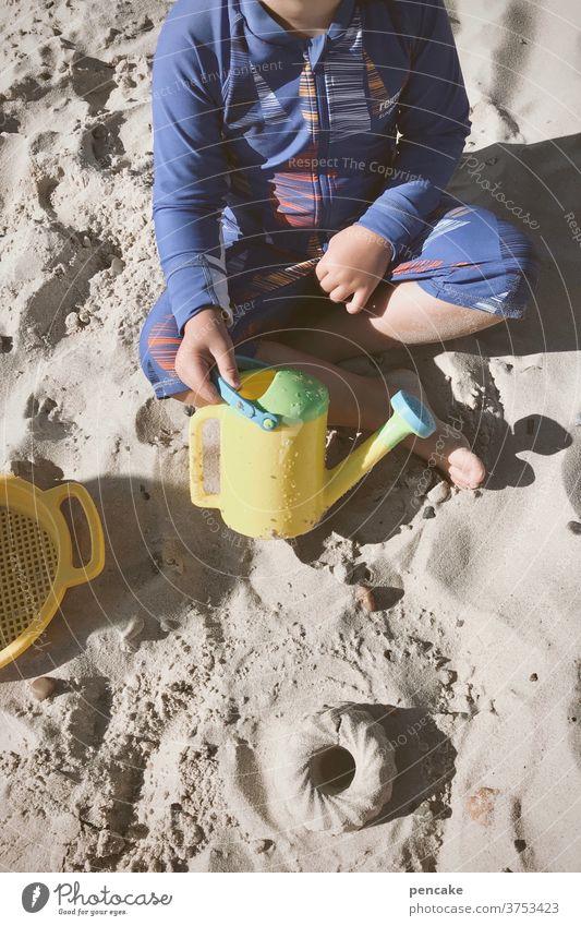 lebensnotwendig | spielen Art Sand Meer Nordsee Förmchen Eimer Kuchen Sandkuchen Sommer Strand Ferien & Urlaub & Reisen Freude Sommerurlaub Spielen Kindheit