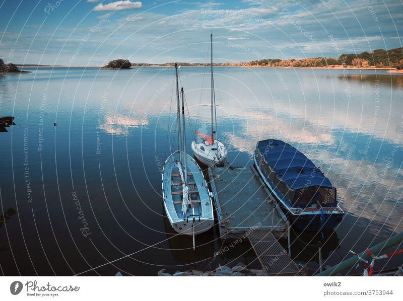 Auf andere Gedanken kommen Anlegestelle Idylle Gelassenheit Schönes Wetter Außenaufnahme Menschenleer Farbfoto Horizont ruhig Wasser Textfreiraum unten