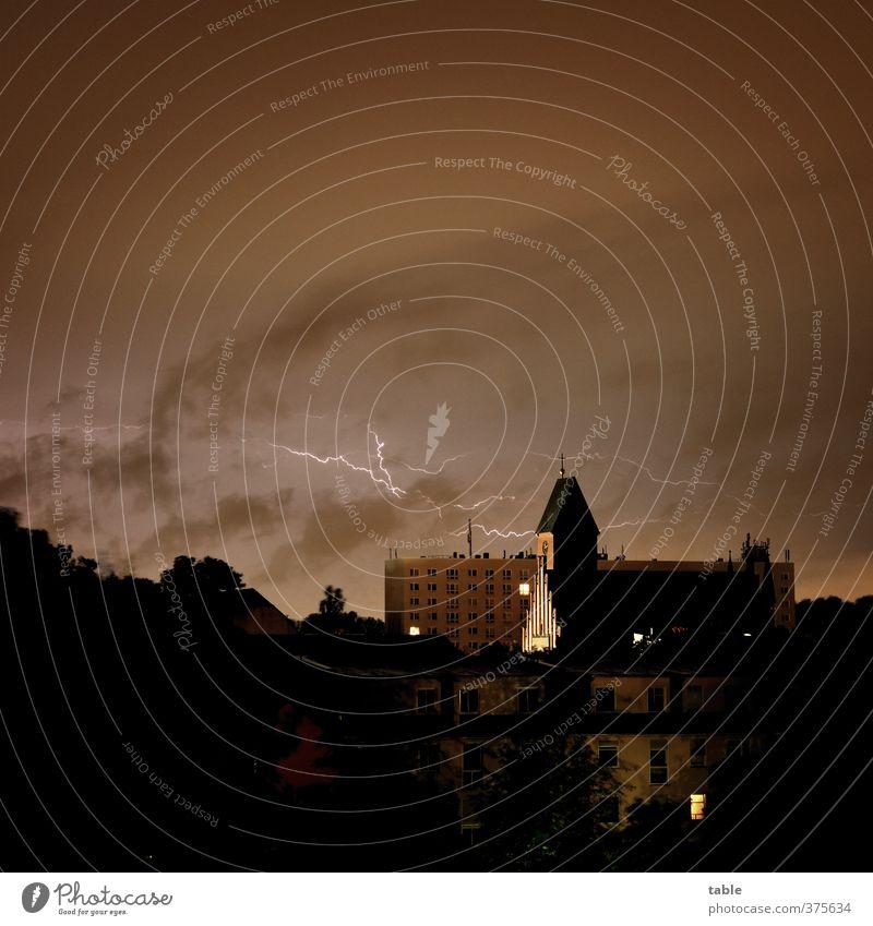 Blitzbestätigung . . . Umwelt Natur Urelemente Himmel Wolken Gewitterwolken Nachthimmel Sommer Klima Wetter schlechtes Wetter Unwetter Sturm Regen Blitze Stadt