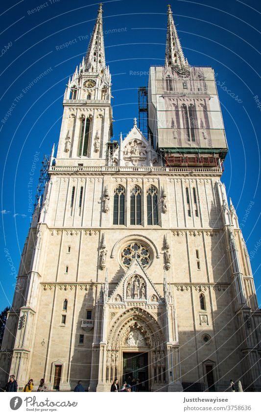 Die Zagreber Kathedrale Kroatien Kirche Religion & Glaube Dom Architektur Sehenswürdigkeit Wahrzeichen Bauwerk Gebäude Tourismus Ferien & Urlaub & Reisen