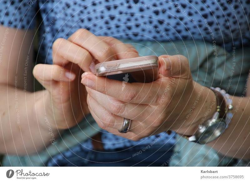 Diese Nachricht wurde gelöscht Mobilität mobiltelefon Handy Telefon Technik & Technologie Mitteilung Kommunizieren Kommunikation Internet Telekommunikation