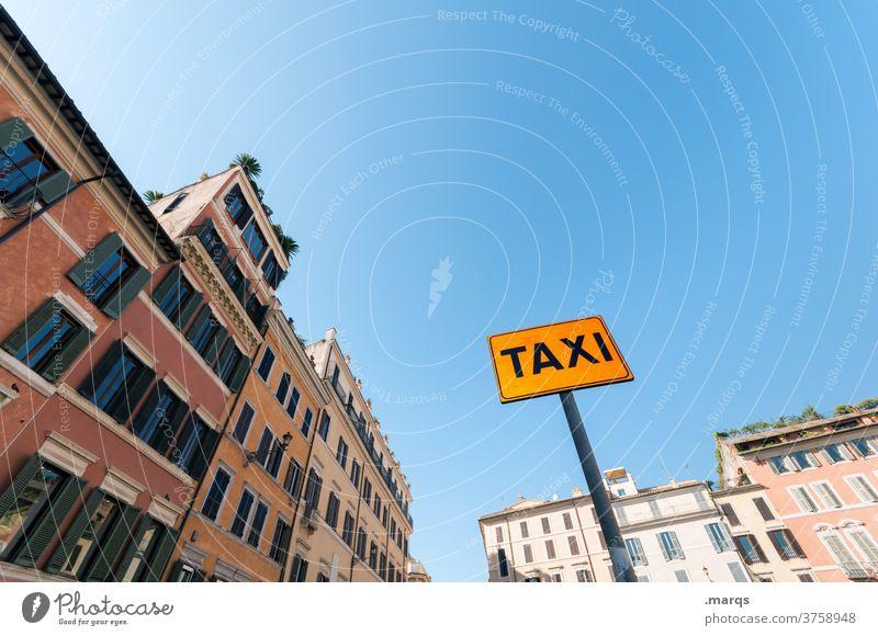 Taxistand in Rom Schilder & Markierungen Innenstadt Altbau Wolkenloser Himmel Dienstleistungsgewerbe Verkehr Tourismus