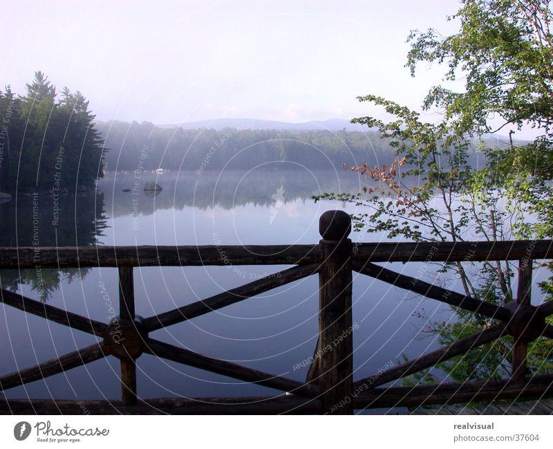 In der Ruhe liegt die Kraft Wasser ruhig Erholung Brücke Gelassenheit
