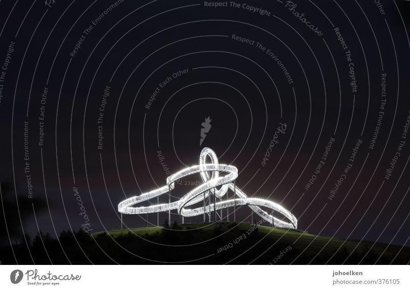 Gefühlswelten V Freude Ferien & Urlaub & Reisen Ausflug Sightseeing Jahrmarkt Skulptur Nachthimmel Hügel Halde Duisburg Angerpark Menschenleer Achterbahn
