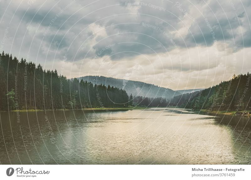 Regen und Wolken über dem Waldsee Talsperre Lütsche See Wasser Thüringen Himmel Landschaft Panorama (Aussicht) Reflexion & Spiegelung Weitwinkel Totale Natur