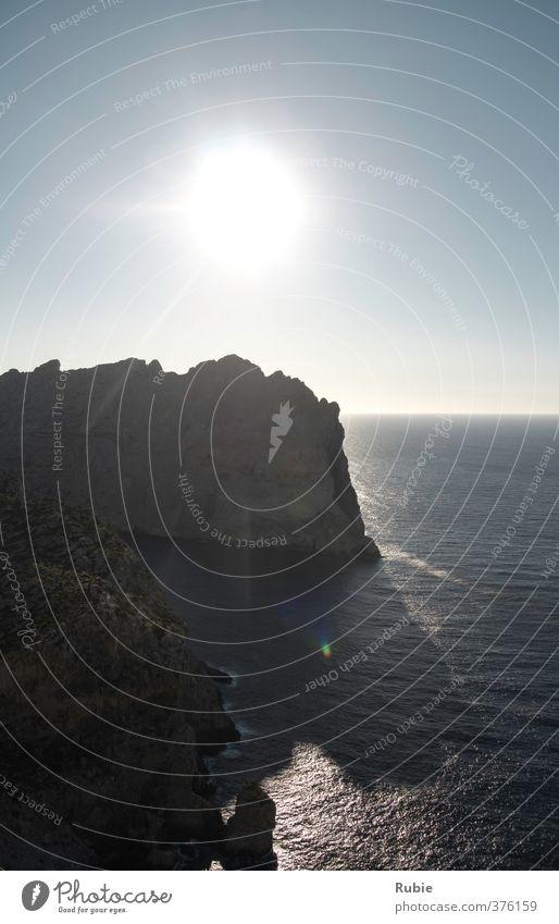 Mirador del Mal Pas Ausflug Sonne Insel wandern Wolkenloser Himmel Sommer Schönes Wetter Felsen Küste Meer Blick gigantisch Unendlichkeit blau grau Glück
