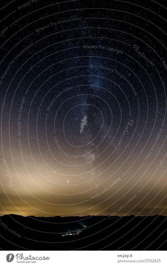 lebensnotwendig | Sternenstaub aus der Milchstraße und dem Weltall mit seinen Galaxien und Planeten und Sternen und Sonnen und überhaupt... Weltraum Nacht