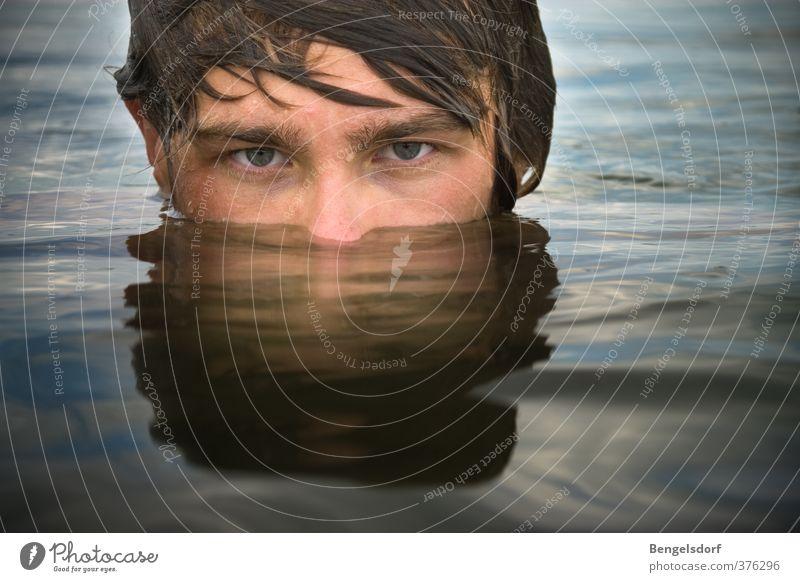 Ninja-Taucher Ferien & Urlaub & Reisen Sommer Sonne Wassersport Schwimmen & Baden Mensch maskulin Junger Mann Jugendliche 1 Wassertropfen Haare & Frisuren
