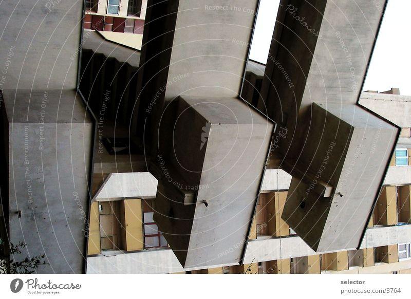 technorobbe Beton Fenster Architektur Treppe blau Natur