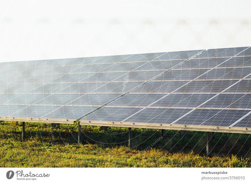 Solarenergie-Panel alternativ Hintergrund blau Zelle Wandel & Veränderung Großstadt Sauberkeit übersichtlich Klima Sammler Ökologie Wirtschaft Einfluss