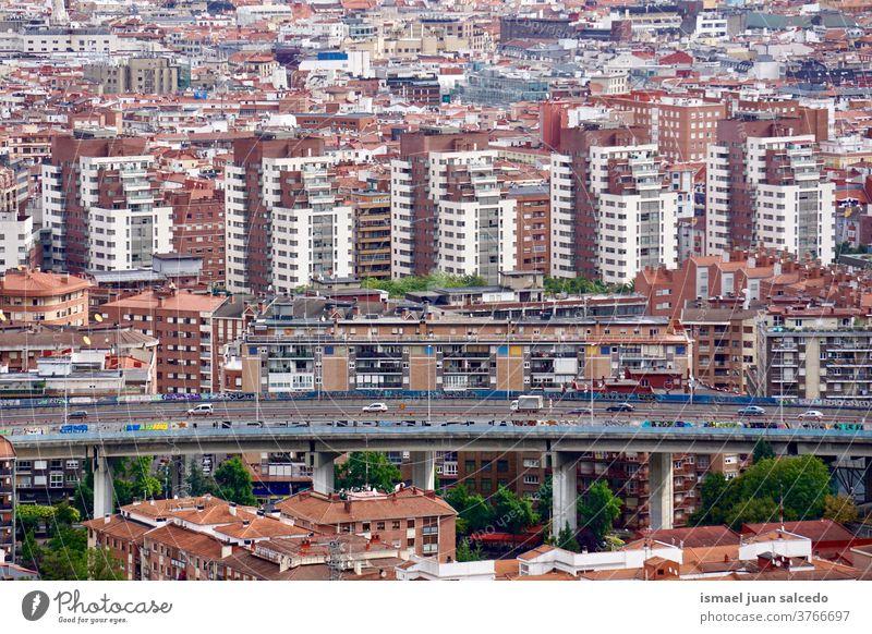 Stadtbild und Architektur von Bilbao, Spanien. Reiseziel Großstadt Fassade Gebäude Struktur Konstruktion Ansicht Stadtansicht Fenster Dach Haus heimwärts Straße