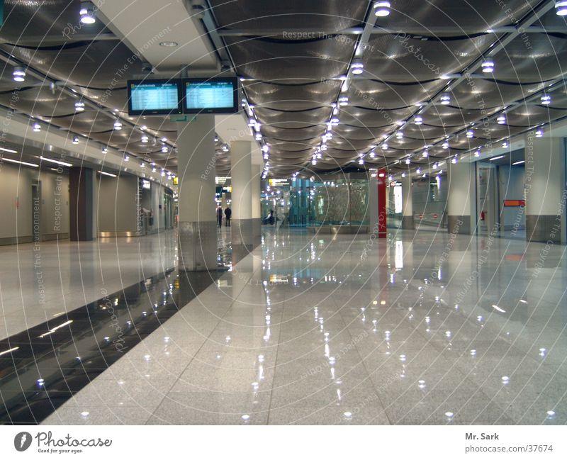 di.arrival Architektur glänzend modern Flughafen Bildschirm Düsseldorf international Ankunft