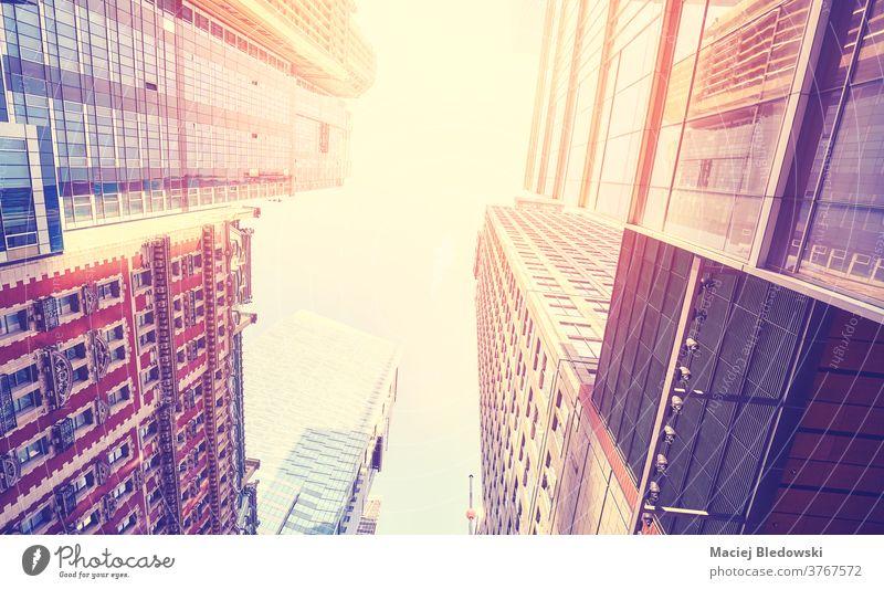 Wolkenkratzer in Manhattan bei Sonnenuntergang, New York City, USA. Großstadt neu Gebäude Wand Business Financial District nachschlagen nyc altehrwürdig