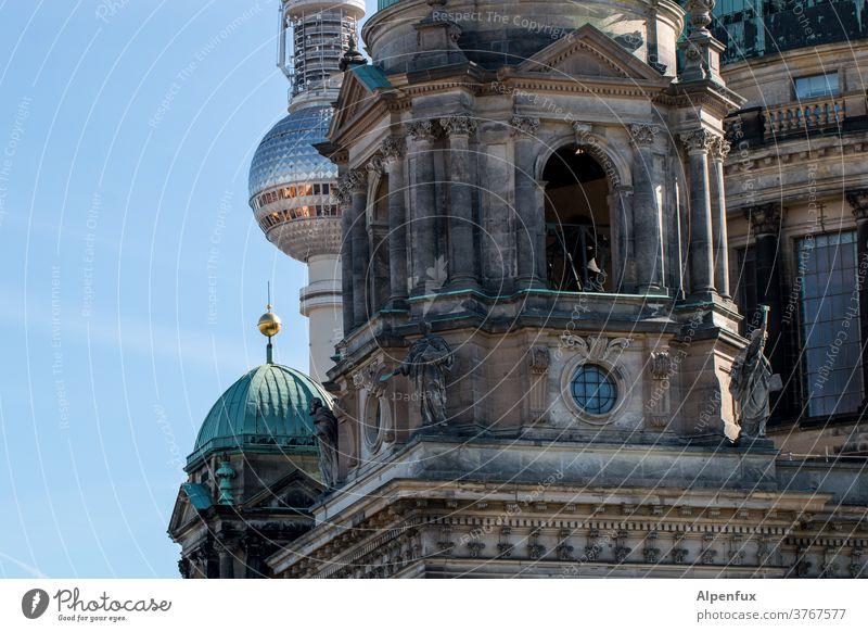 Einheit Berliner Dom Berliner Fernsehturm Hauptstadt Architektur Stadtzentrum Sehenswürdigkeit Wahrzeichen Außenaufnahme Himmel Berlin-Mitte Menschenleer
