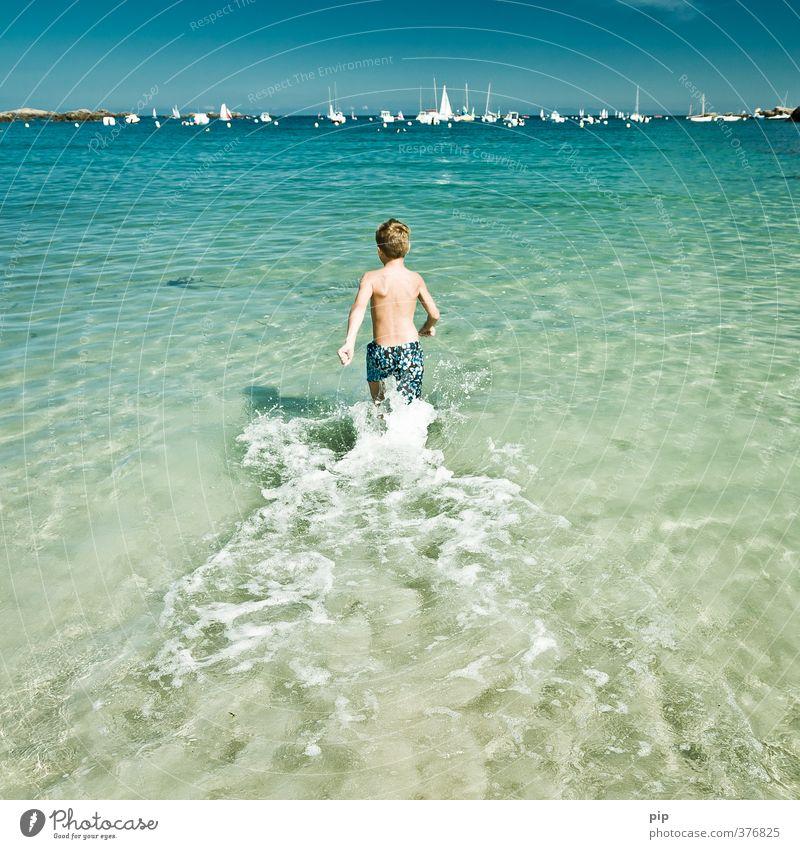 abkühlung Mensch Natur Jugendliche Ferien & Urlaub & Reisen Wasser Sommer Meer Freude Wärme Junge Küste Schwimmen & Baden Horizont Körper Freizeit & Hobby Kindheit