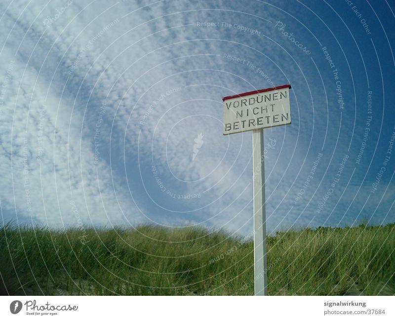 Nicht betreten Wolken Verbotsschild Strand Stranddüne Nordsee Sommerbriese