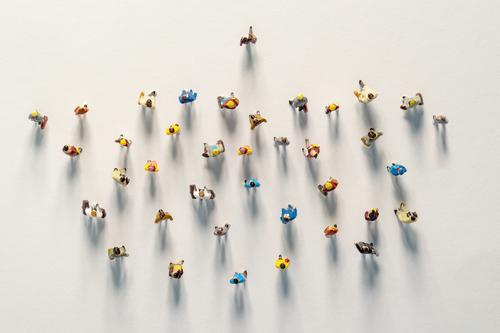 Teamspirit. Der Manager geht voran. Eine Gruppe, das Team von Menschen folgt. viele Anhänger. Konzept Geschäft wettbewerb Führung erfolgreich Wettbewerb Sieger