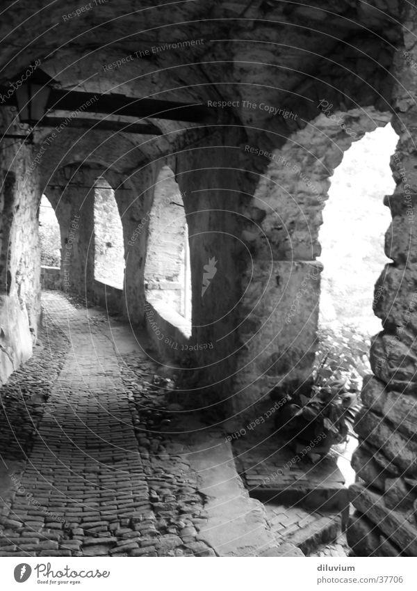 archi II Licht historisch Architektur Bogen Schatten Shcwarz-weiß Gang
