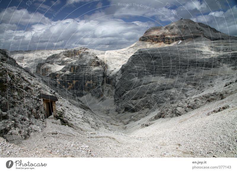 ..hoffentlich hält das... Natur Ferien & Urlaub & Reisen blau Einsamkeit Landschaft Wolken Ferne Umwelt Berge u. Gebirge Wege & Pfade Freiheit grau Felsen Klima