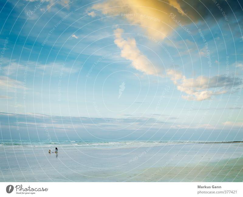 Broome Australien Ferien & Urlaub & Reisen Strand Natur Sand Wasser Himmel Wolken Meer blau gold Erholung ruhig Horizont Ferne Einsamkeit Farbfoto Außenaufnahme
