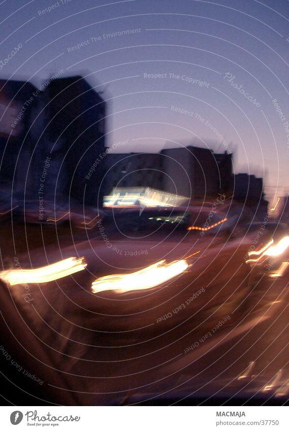traffic_5 Nachtfahrt Gegenverkehr Dämmerung Verkehr Scheinwerfer Licht Beleuchtung Bewegung Unschärfe