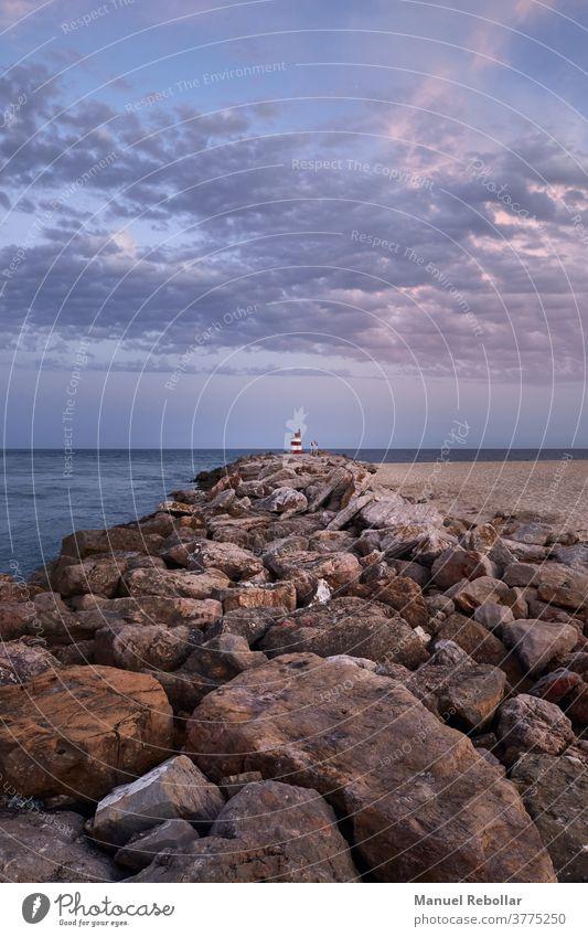 fotografie eines leuchtturms in portugal MEER Licht Leuchtturm Turm Meer Leuchtfeuer Wasser Küste Gebäude reisen Haus Schifffahrt Sicherheit Architektur Himmel