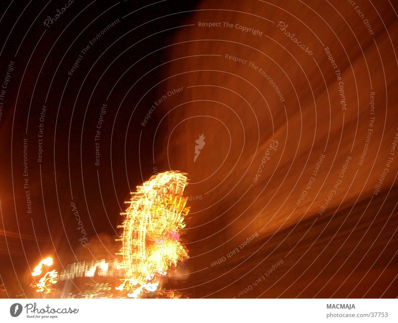 Riesenrad Nacht Jahrmarkt Licht gelb Unschärfe Freizeit & Hobby Lampe