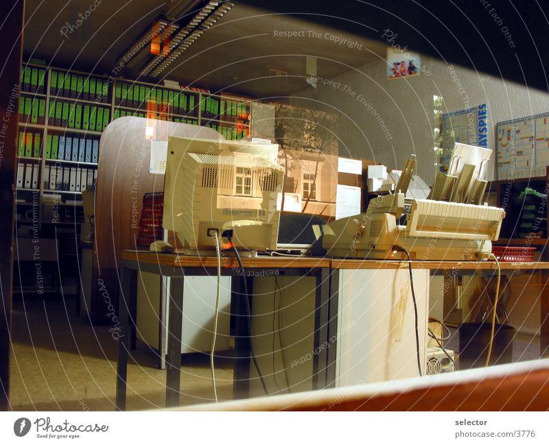 publishing-desktops Schreibtisch Schaufenster Nacht Spiegel Elektrisches Gerät Technik & Technologie