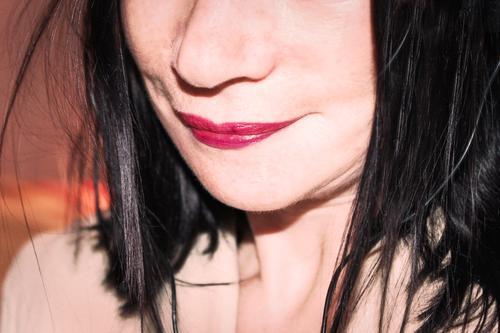 wen die Muse küsst |...wen soll sie küssen? Mund Lippen Lippenstift Küssen Frau freundlich Frauengesicht rot Erotik sexy Freude verführerisch Lust sinnlich