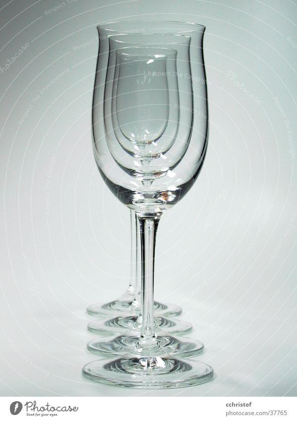 Glasreihe weiß grau leer Häusliches Leben 4 Reihe zerbrechlich Weinglas