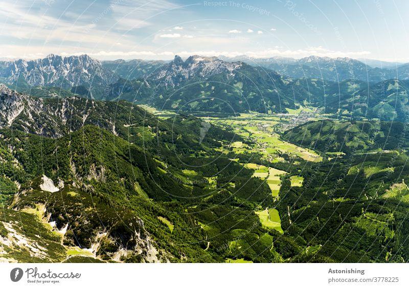 Blick vom Berg ins Tal Landschaft Alpen Österreich grün Natur Admont Berge u. Gebirge Außenaufnahme Himmel Panorama (Aussicht) wandern Gipfel Umwelt Felsen