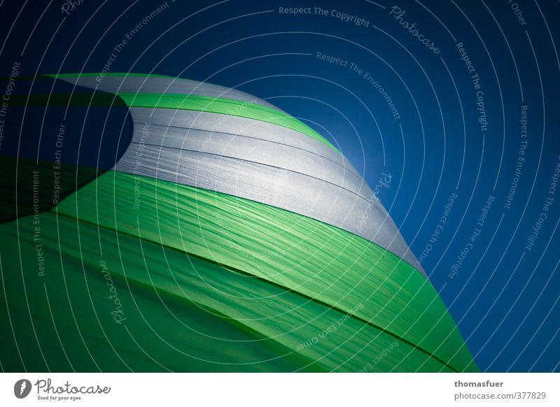 Windbeutel Himmel Ferien & Urlaub & Reisen blau grün weiß Sommer Meer Ferne Sport Freiheit Freizeit & Hobby Energie Abenteuer rund Wolkenloser Himmel Segeln