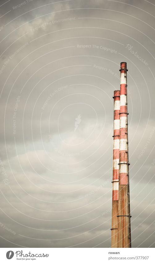 dport | schornsteine Wolken Umwelt dunkel kalt Nebel Energiewirtschaft hoch paarweise Zukunft Industrie Rauch Abgas Umweltschutz Schornstein gestreift