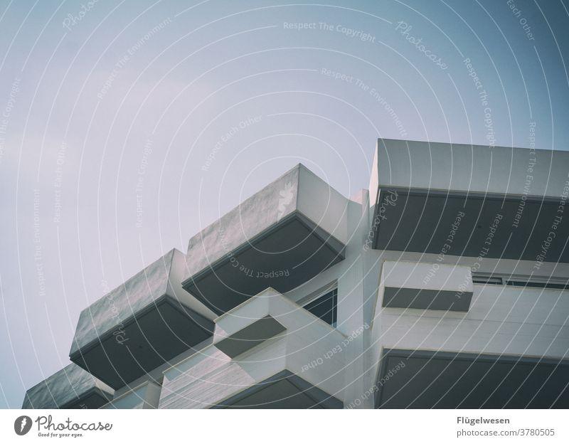 Platte Plattenbau formen Beton Betonwand Betonboden Betonmauer Betonplatte Betonklotz Betonbauweise betoniert betonieren betonwüste weiß wohnen Wohnung