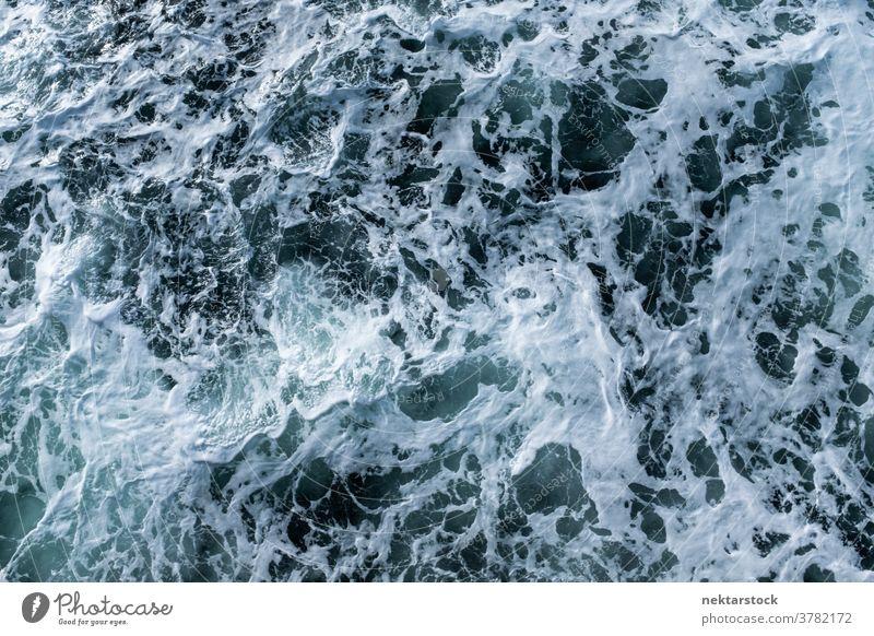Abstract über turbulentes natürliches Wasser winken schäumen Rippeln Fjord abstrakt wild Sauberkeit stürmisch liquide Hochwinkelansicht keine Menschen niemand