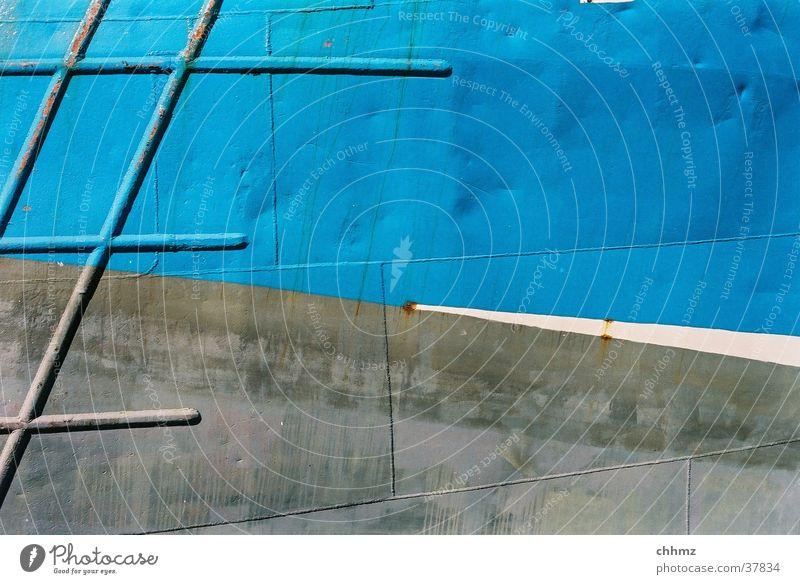 blaugrau Wasserfahrzeug Metall Rost Schifffahrt diagonal Rust Patina Schweißnaht Bordwand Airbrush Zeichnung