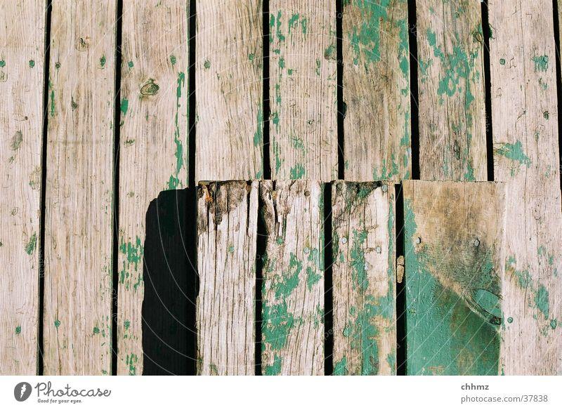senkrecht grün Holz verfallen Handwerk Flur Schiffsplanken Holzmehl