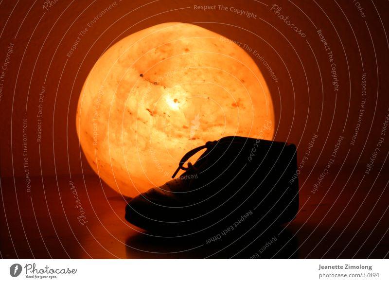Kinderschuh Licht Kinderschuhe Schuhe Stillleben Dinge Kugel orange Sonne