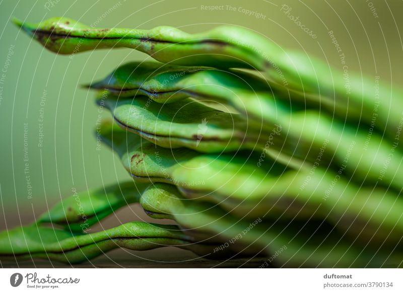 Makro Foto von gestapelten grünen Bohnen Stangenbohnen Ernährung Stapel Makroaufnahme Strukturen & Formen struktur Vegetarische Ernährung Vegane Ernährung