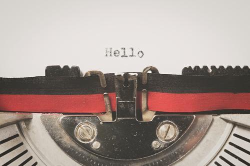 Detail auf einer alten Schreibmaschine geschrieben Schlüssel altehrwürdig Papier Brief Tusche Alphabet retro Schot rostig dreckig Klassik weiß Typ Postkarte