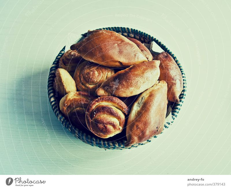 Gebäck braun Lebensmittel frisch Ernährung süß genießen rund Kochen & Garen & Backen Küche Süßwaren lecker Frühstück Kuchen Brot Brötchen Schalen & Schüsseln