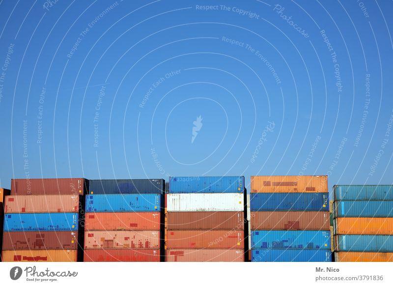 Containerterminal Hafen Güterverkehr & Logistik Containerverladung Handel Blauer Himmel stapeln Wirtschaft Industrie rot Abstellplatz Ladung Strukturen & Formen