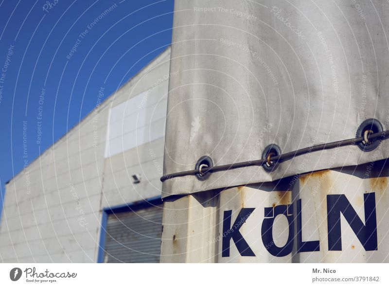 Standort : Köln logistik Spedition Spediteur Anhänger Güterverkehr & Logistik Lastwagen Container Lagerhalle Lagerhaus Tor Rolltor Handel Gebäude