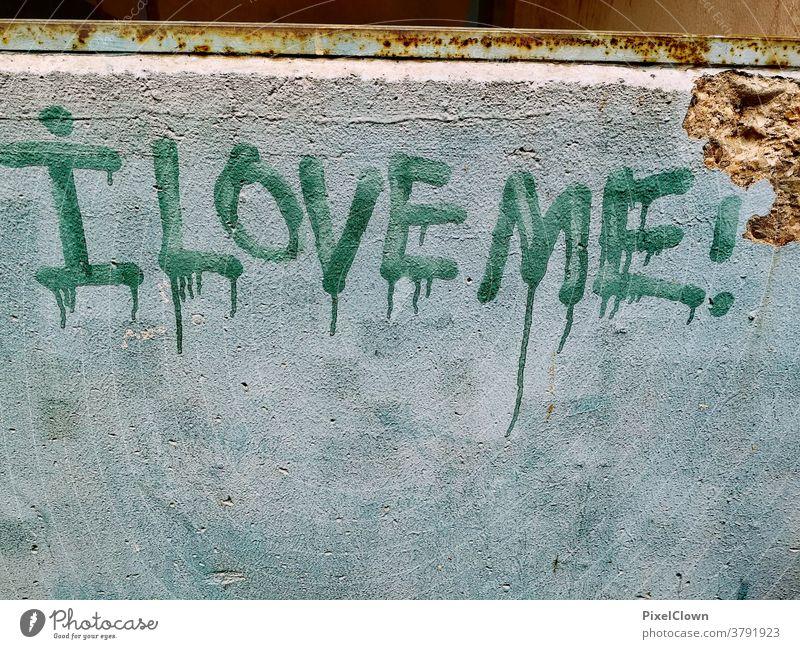 Graffiti- passend für die Selfie Generation Wand Stadt Schriftzeichen Fassade Street Art Love Liebe Kunst