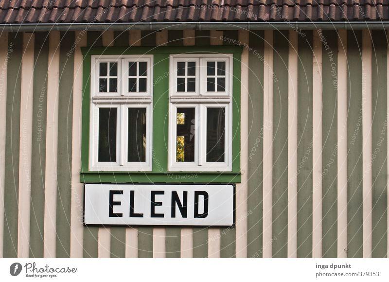 Elend elend Harz Mittelgebirge Bahnhof Schilder & Markierungen Deutschland Sachsen-Anhalt Dorf Menschenleer Haus Bauwerk Gebäude Mauer Wand Verkehr
